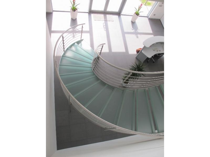escalier balustrade inox design marches en verre  inoxdesign4