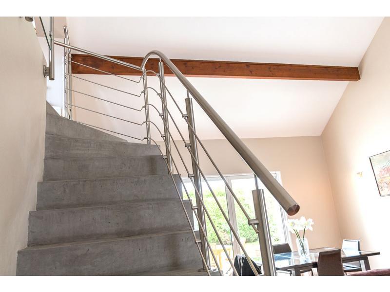 garde corps inox designgarde corps et rampe d 39 escalier. Black Bedroom Furniture Sets. Home Design Ideas