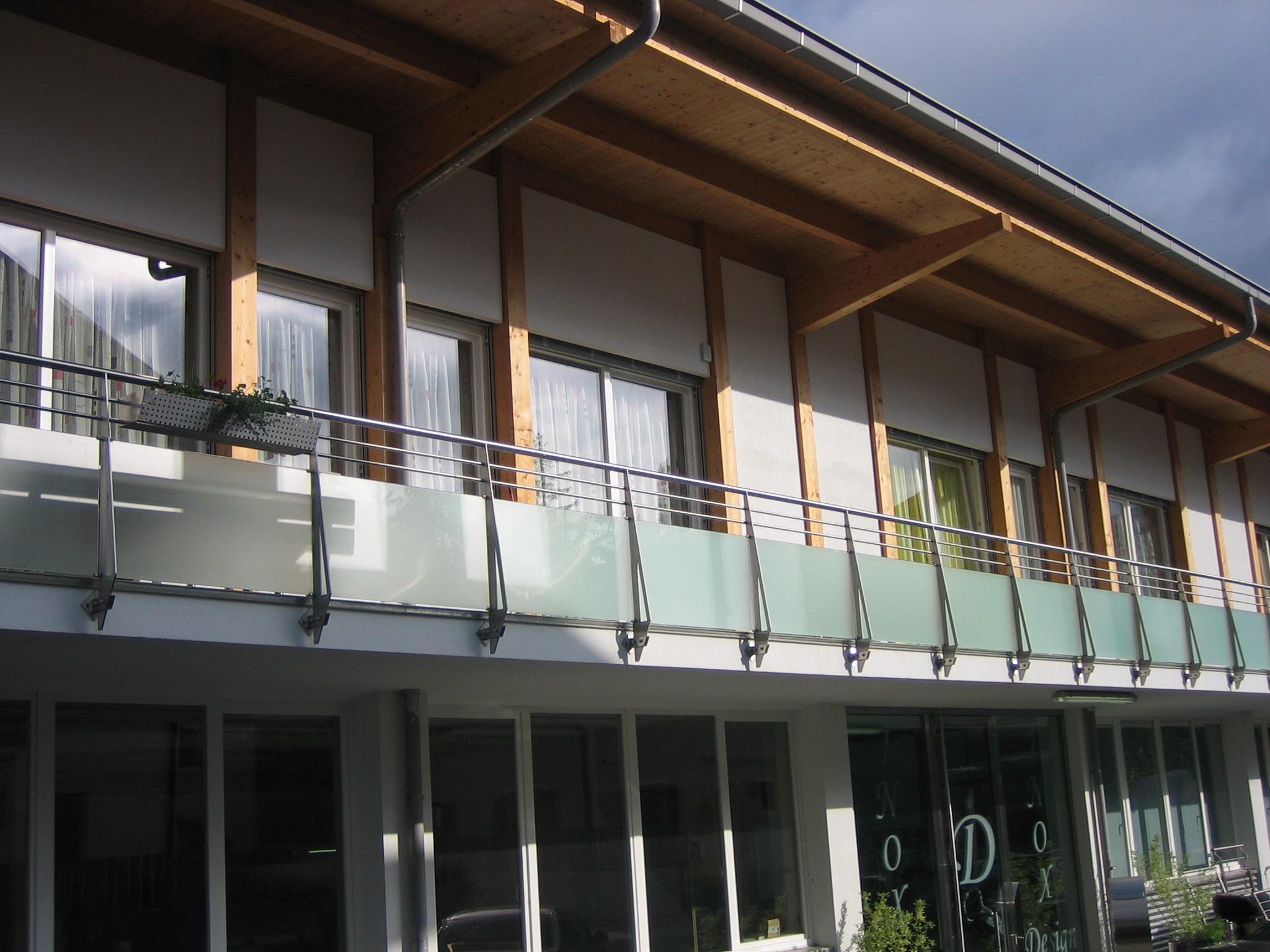garde corps inox designgarde corps de balcons inoxdesign. Black Bedroom Furniture Sets. Home Design Ideas