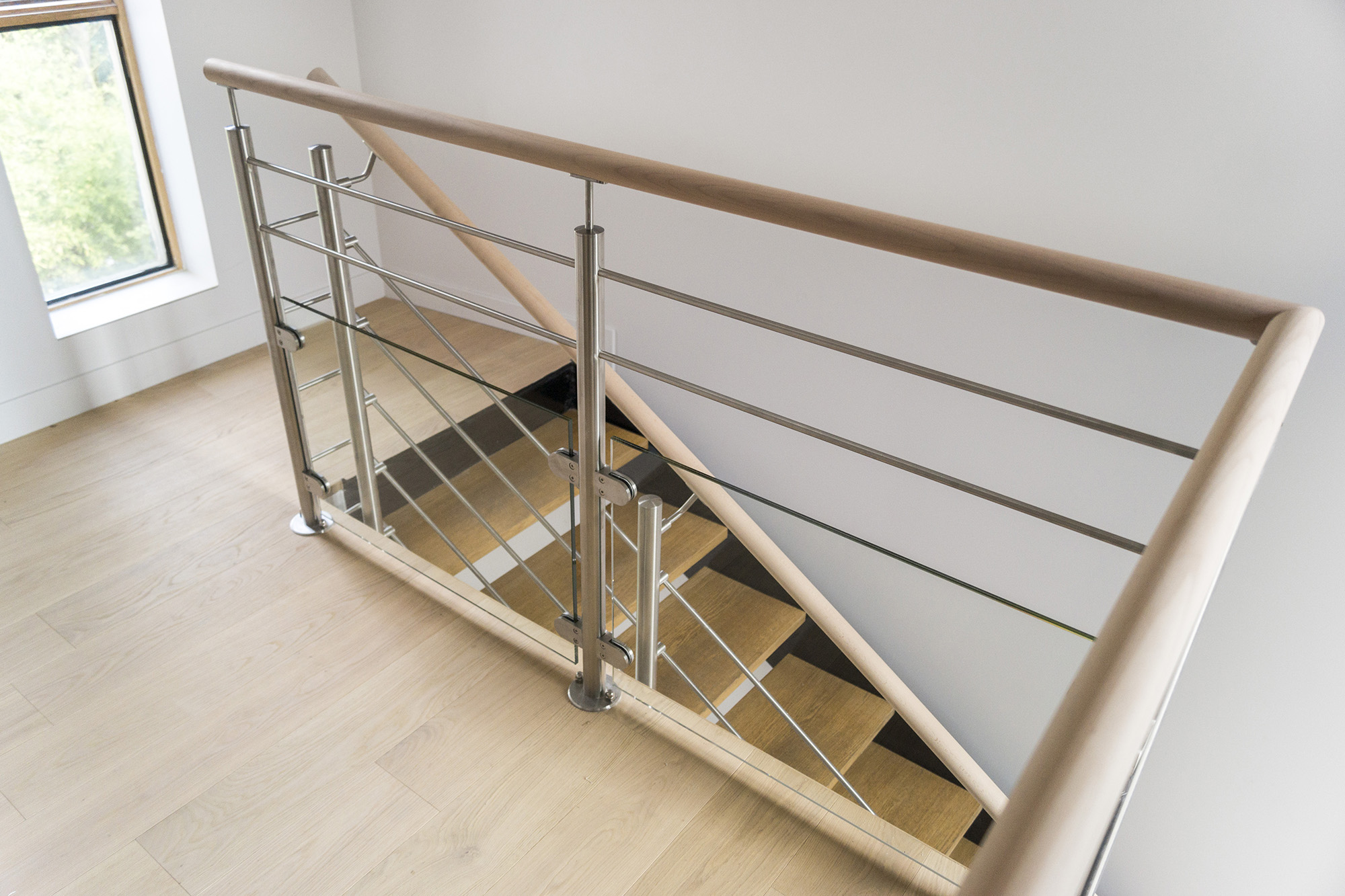 Garde corps inox designr novation garde corps escalier for Hauteur balustrade