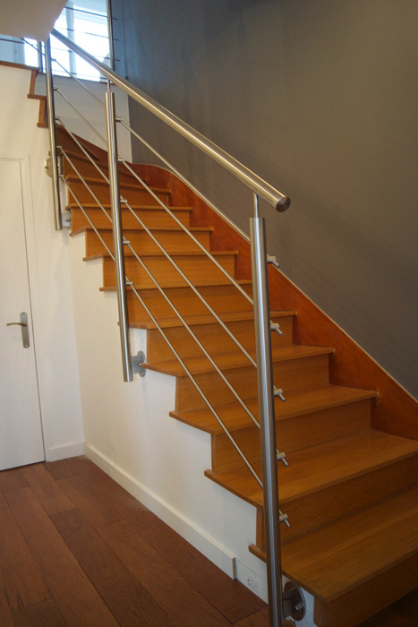 Inspiration am nager un garde corps d escalier inox d s l entr e de sa mais - Amenager un escalier ...