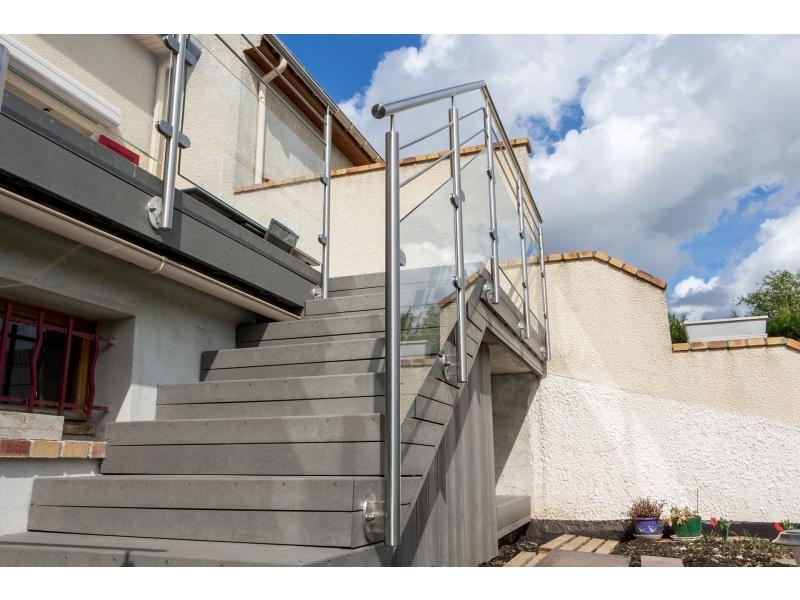 escalier garde corps terrasse extérieure dans le Val d'Oise 95