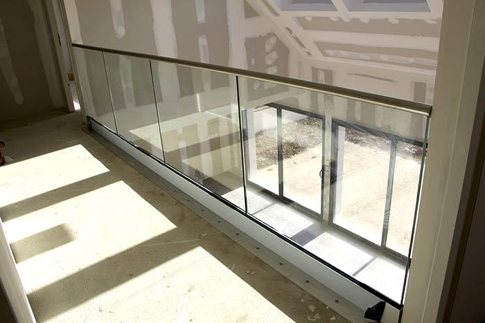 profil de sol garde-corps verre