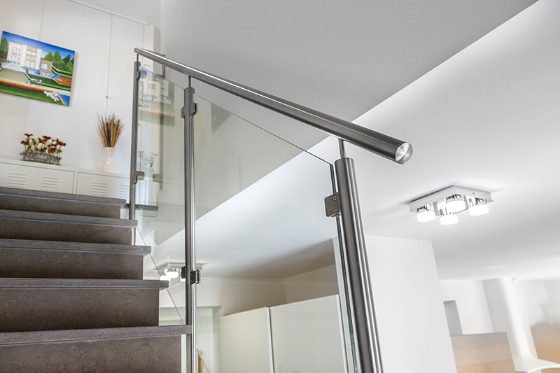 Comment donner un design particulier vos escaliers inoxdesign for Rampe moderne d escalier